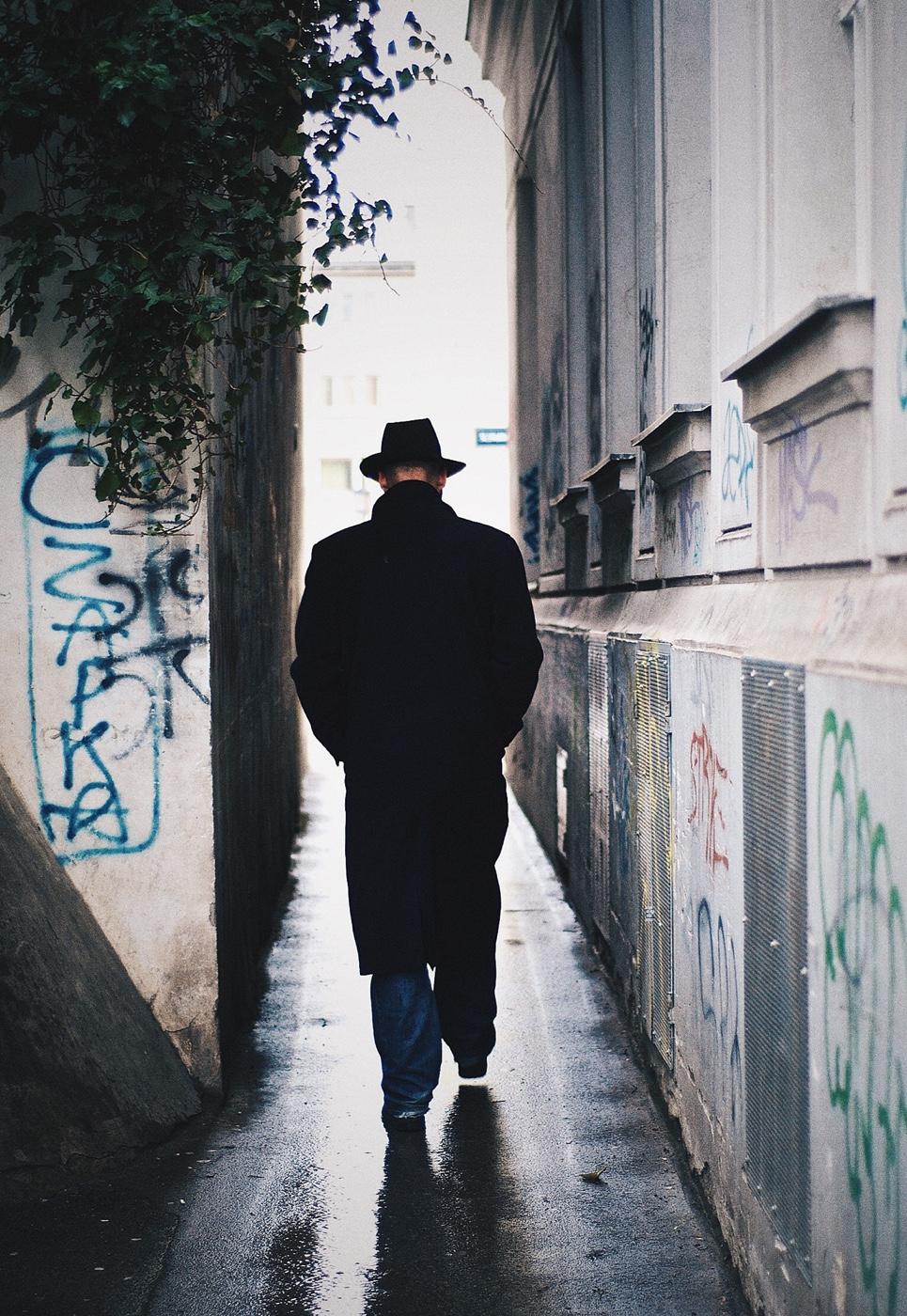 Der Mann mit dem schwarzen Hut Helden von heute